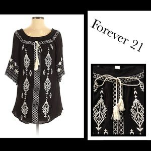 Forever 21 black & white embroidered tunic